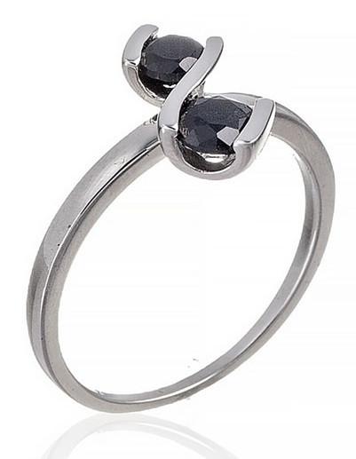Нежное серебряное кольцо с сапфиром. Вес: 2,3 гр, размер: 18, покрытие родий