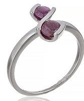 Нежное серебряное кольцо с рубином. Вес: 2,3 гр, размер: 18, покрытие родий