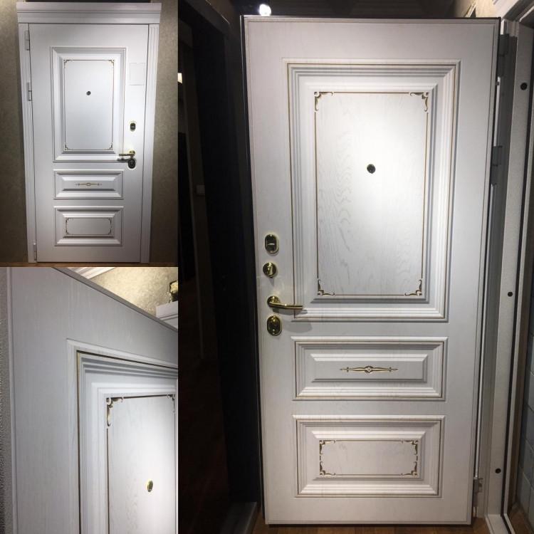 Металлические двери в квартиру Версаль улица