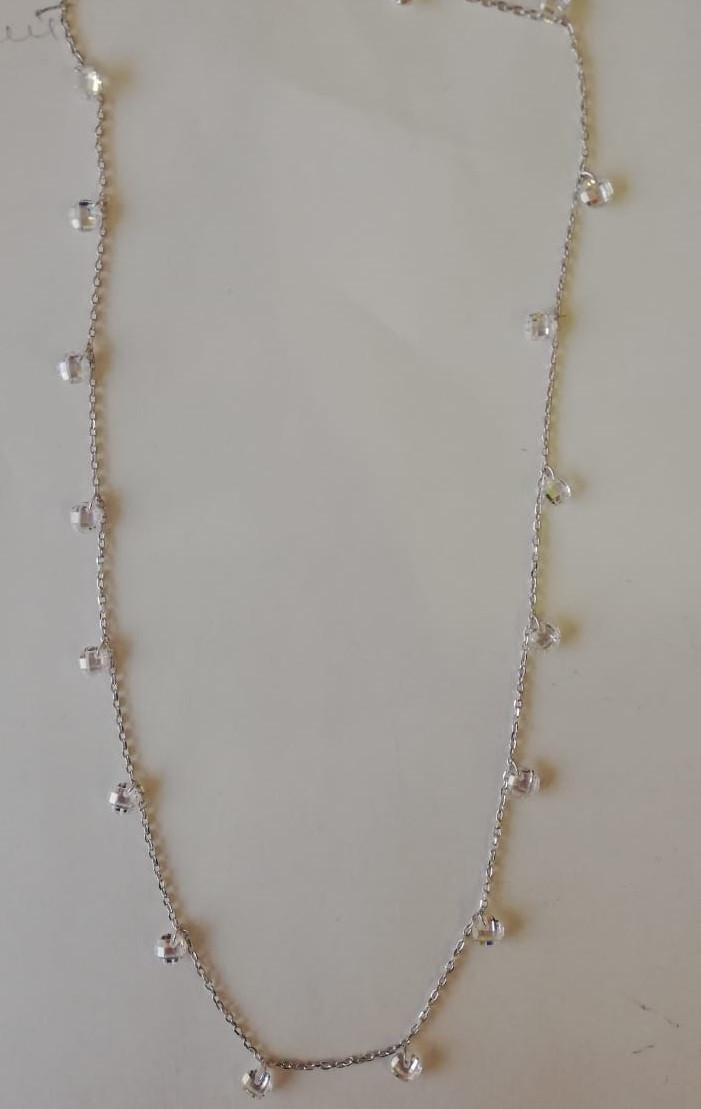 Нежная серебряная подвеска (колье). Вставка: кристаллы, вес: 5,4 гр, длина: 45+5 см, покрытие: родий