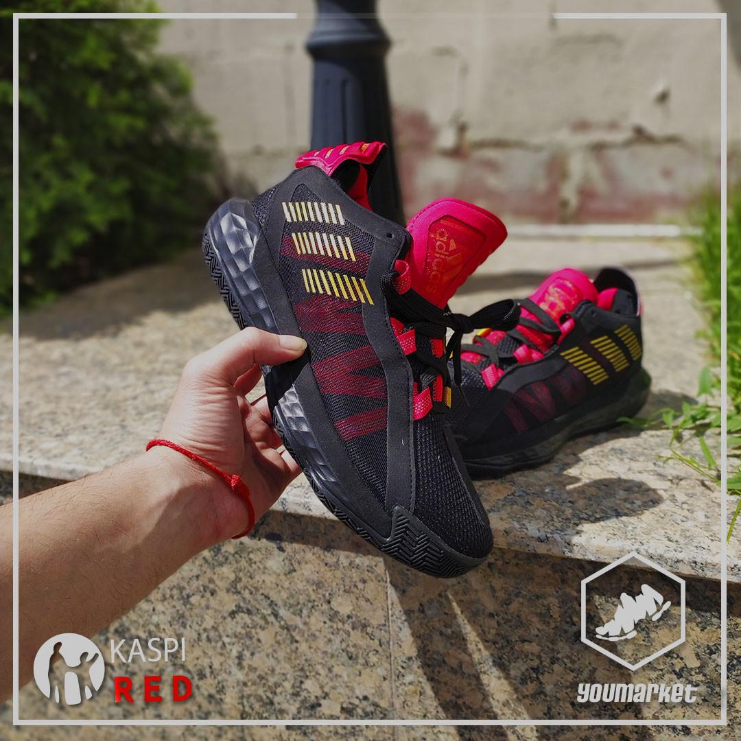 Баскетбольные кроссовки Adidas Dame 6 (VI)  from Damian Lillard (размер 43 в наличии)