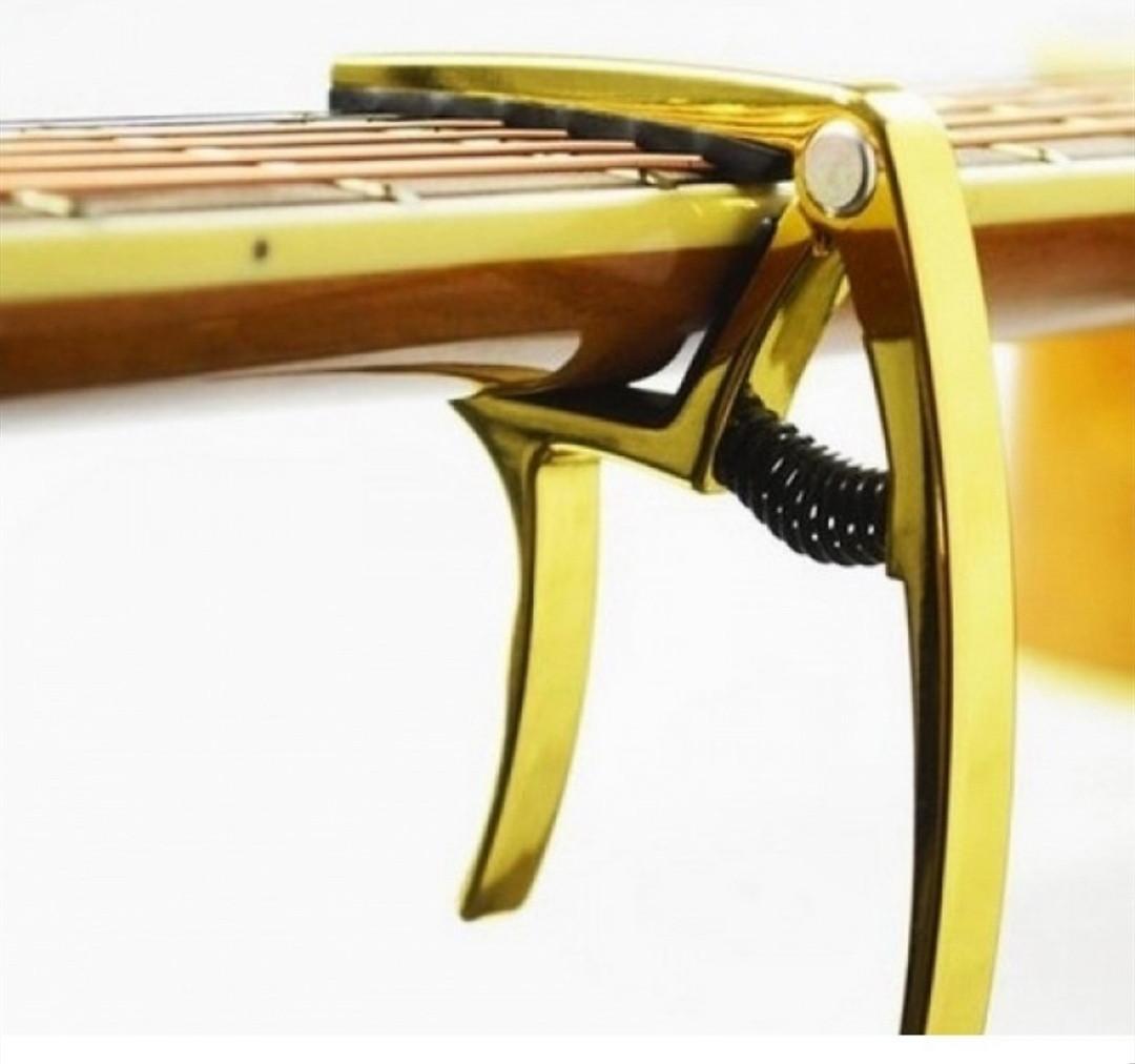 Каподастр для гитары