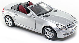 1/18 Maisto Mercedes Benz SLK R171 Roadster Coupe 2004-08