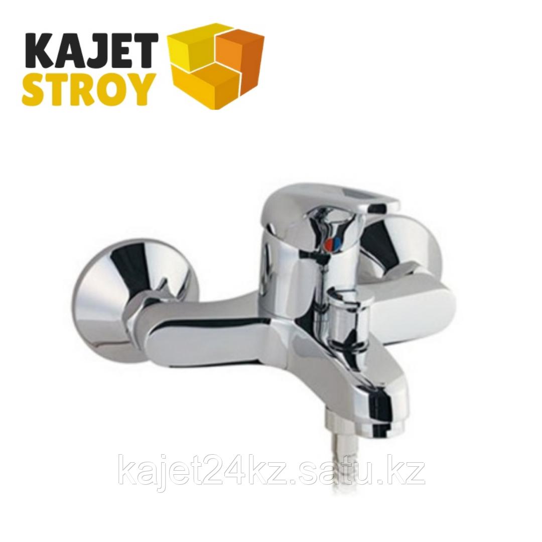 Смеситель ВОДОЛЕЙ 1003 одноручный для ванны с коротким изливом, дивертор кнопочный (12)