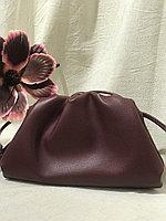 Клатч Mini Pouch от Bottega Veneta