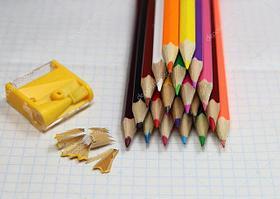 Цветные карандаши / фломастеры / точилки