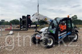Английская железная дорога испытывает электрический телескопический погрузчик