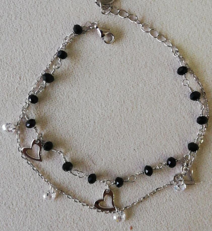 Серебряный браслет двойной на цепочке. Вес: 3,2 гр, вставка: белые кристаллы, стекло,сердечки, размер