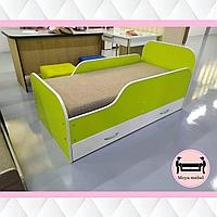 Детская кровать светло-зеленая