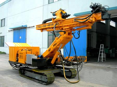 Гидравлический буровой станок на гусеничном ходу YGL-100A