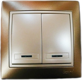 Выключатель с подсветкой светло-коричневый и жемчужно белый перламутр Deriy 702-3130-112