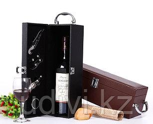 Подарочный винный кейс для одной бутылки с принадлежностями