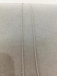 Цепь из серебра плетения якорное. Вес: 1,1 гр, длина: 40 см, покрытие родий, застежка шпрингельная.