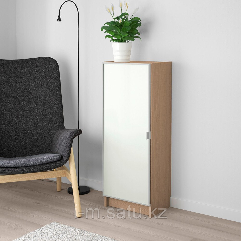 БИЛЛИ / МОРЛИДЕН Шкаф книжный со стеклянной дверью, дубовый шпон, беленый, стекло, 40x30x106 см
