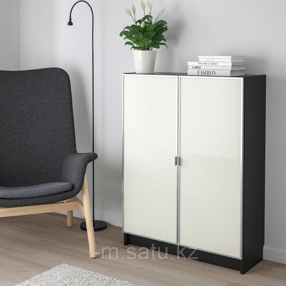 БИЛЛИ / МОРЛИДЕН Шкаф книжный со стеклянными дверьми, черно-коричневый, стекло, 80x30x106 см