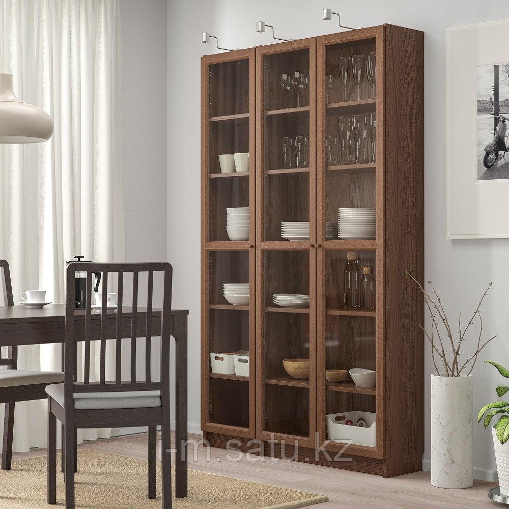 БИЛЛИ / ОКСБЕРГ Шкаф книжный со стеклянными дверьми, коричневый ясеневый шпон, 120x30x202 см