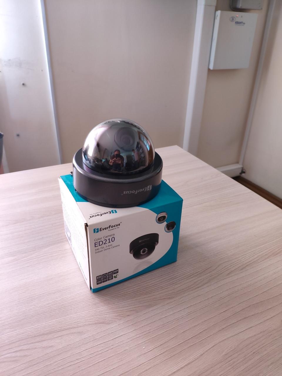 Внутренняя купольная камера EverFocus ED210