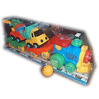 Инерционный паровоз,  автовоз с машинками, пластмассовый.