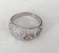 Кольцо женское из серебра с фианитами. Вес: 4,4, размер: 16, покрытие родий