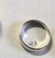 Серебряное обручальное кольцо. Вес: 3,5 гр, размер: 21,5, ширина: 4,5 мм, покрытие родий