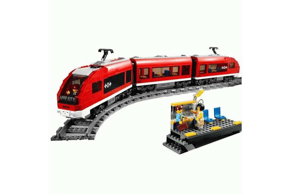 Конструктор Пассажирский красный поезд Lele Сити 763 детали - фото 2