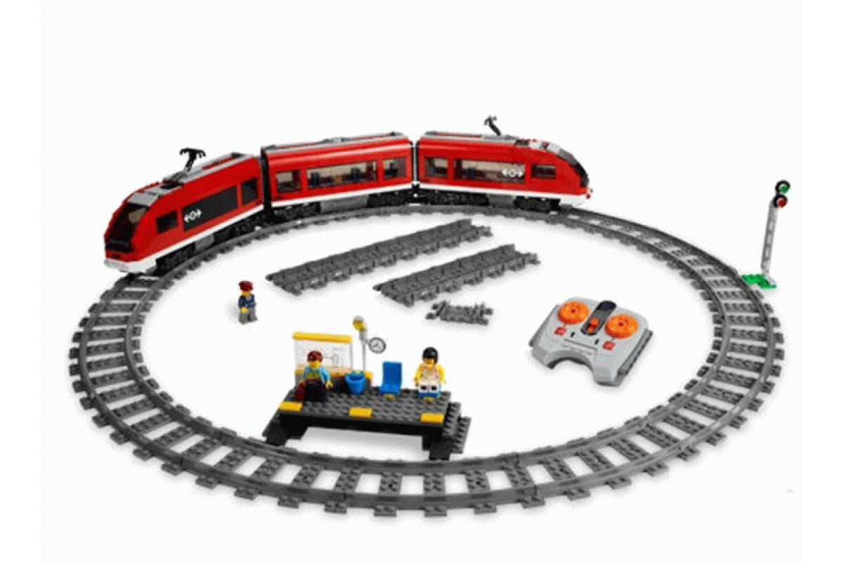 Конструктор Пассажирский красный поезд Lele Сити 763 детали - фото 5