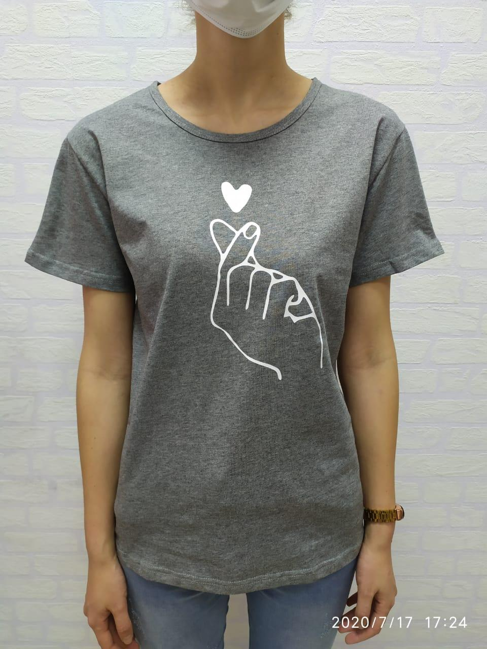 Женская футболка Korean heart серый