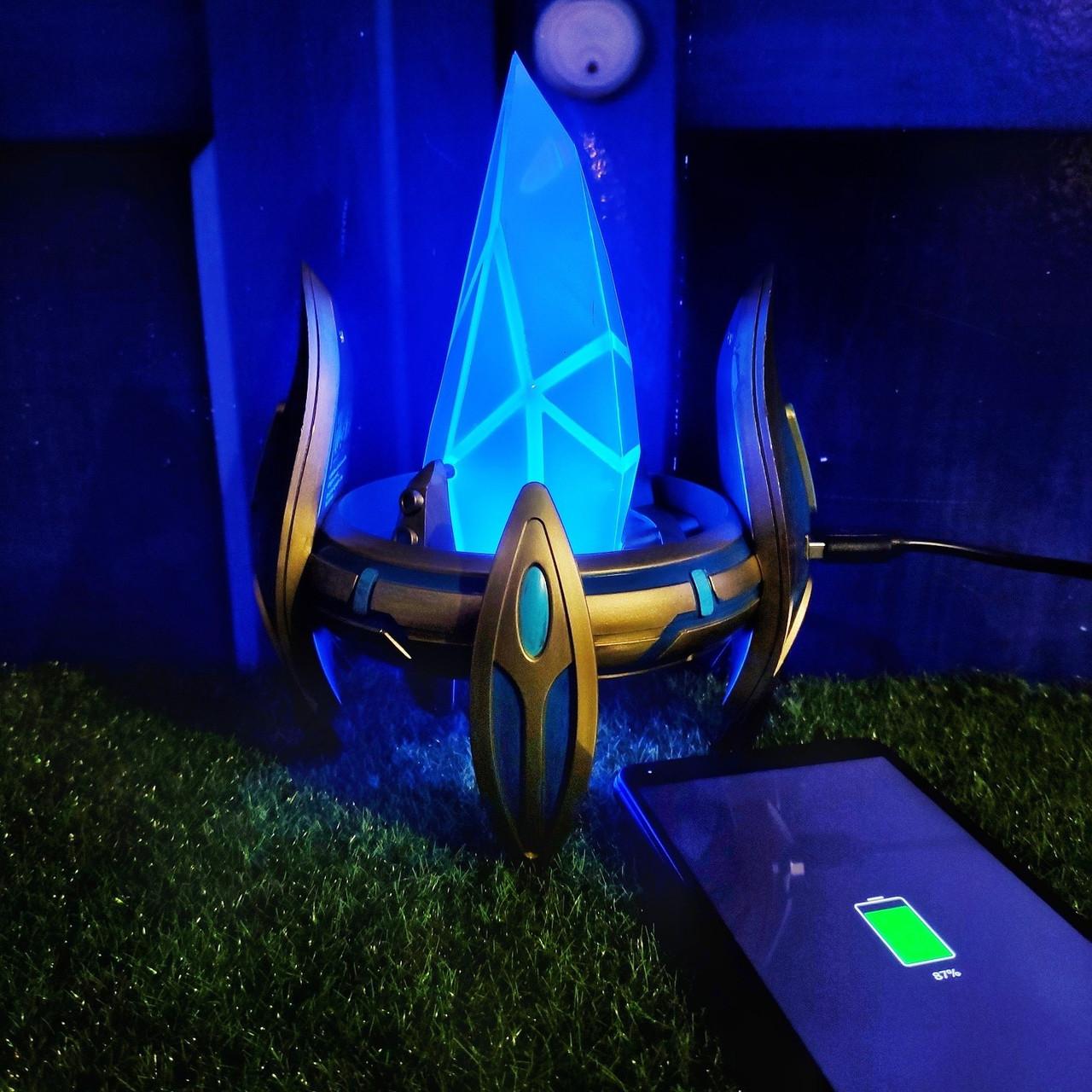 Зарядка-светильник Пилон из StarCraft