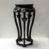 Китайский столик под дорогую вазу.
