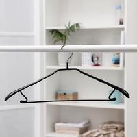 Вешалка-плечики для одежды Доляна, размер 46-48, антискользящее покрытие, широкие плечики, цвет чёрный