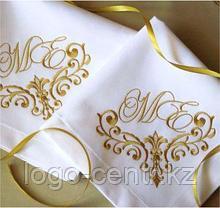 Вышивка именная на салфетках