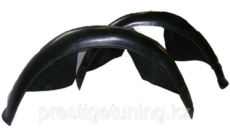 Подкрылки задних арок (локеры) Цельные на Lexus LX470 1998-2007