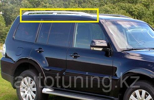 Продольные рейлинги на крышу в оригинальном стиле на Mitsubishi Pajero 4 с 2007 г. и выше