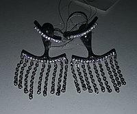 Серебряные серьги качели (кисти), пусеты (гвоздики). Вставка: белые фианиты и цепи, вес: 4,74, длина
