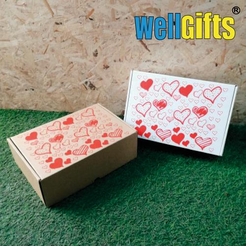 Подарочная коробка с сердечками 30х20х10 см Бурый