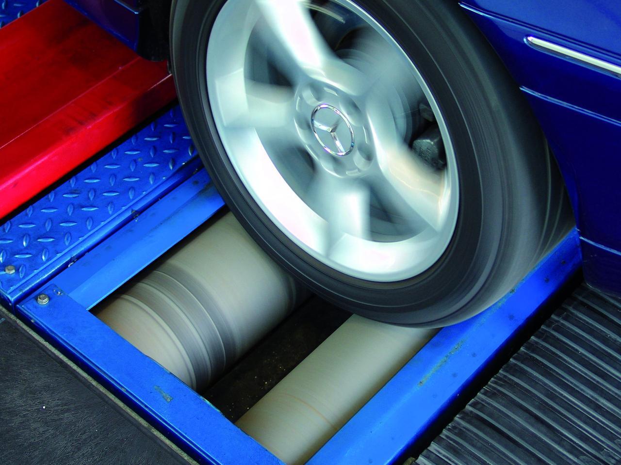 Стенд проверки спидометров для автомобилей с осевой нагрузкой до 4,0 т
