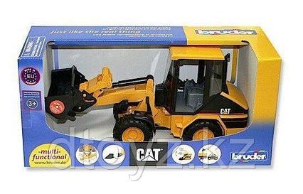 Погрузчик колёсный Bruder CAT с ковшом