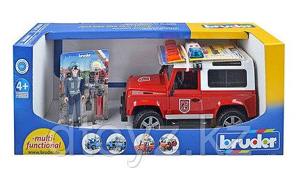 Внедорожник Bruder Land Rover Defender Station Wagon Пожарная с фигуркой
