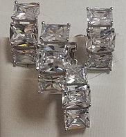 Серебряный комплект (набор) с крупными фианитами. Вставка: белые фианиты, вес: 11,8 гр, размер: 16,