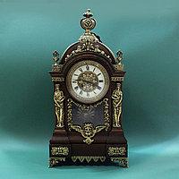 Настольные часы в стиле Историзм