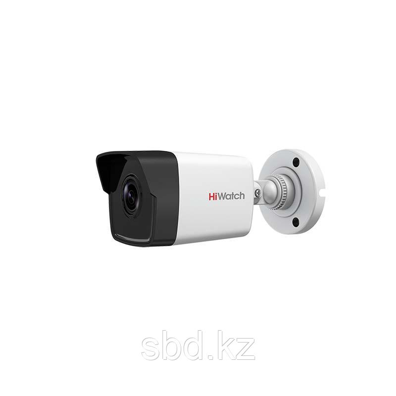 Цилиндрическая видеокамера HiWatch DS-I250M IP