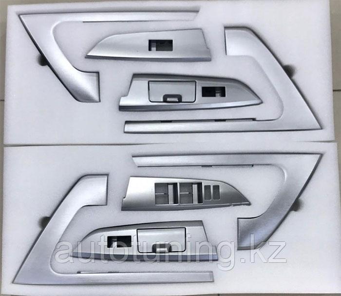 Накладки на дверные ручки в салон (серебро) на Toyota Land Cruiser 200 2007-2020  дизайн 2020