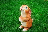 Садовая фигурка из гипса Заяц на задних лапах коричневый 54х25х35 см