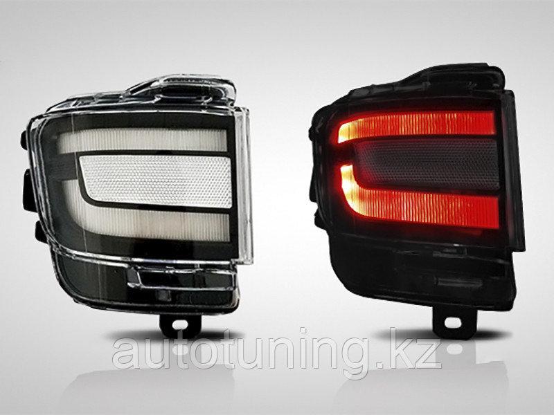 Светодиодные фонари в задний бампер (диодные катафоты дымчатые) на Toyota Land Cruiser 200 2015-20