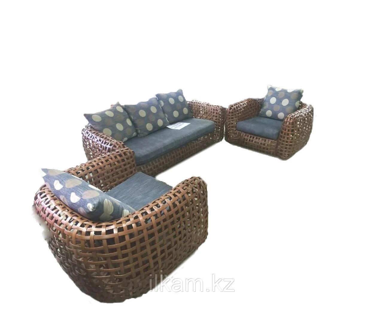 Мебельный комплект из ротанга плоского плетения