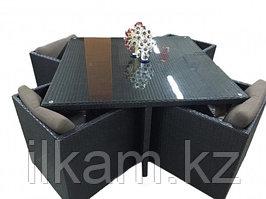 Комплект мебели из ротанга. Четыре персоны