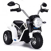 ZHEHUA Электромотоцикл 6V/4,5Ah*1,20W*1,колеса пластик,свет,муз.,кож.сид.,72х57х56 см,Белый/WHITE