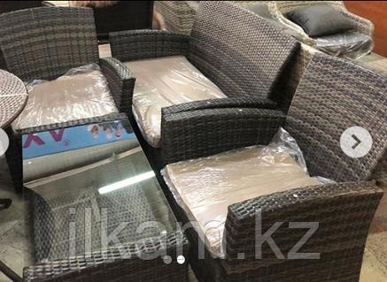 Комплект мебели  столик стекло, двухместный диванчик, два кресла, фото 2