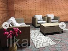 Комплект мебели из ротанга: трехместный диван, два кресла с раскладным столиком, фото 3