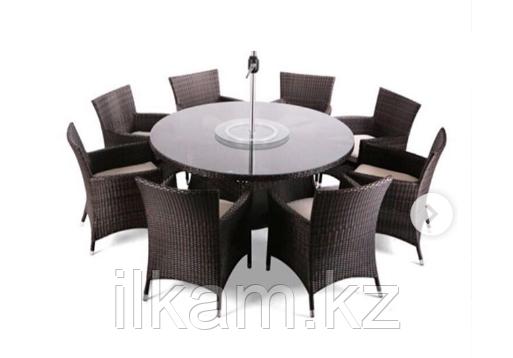Комплект мебели  из ротанга. Большой  круглый стол , 8 солидных стульев